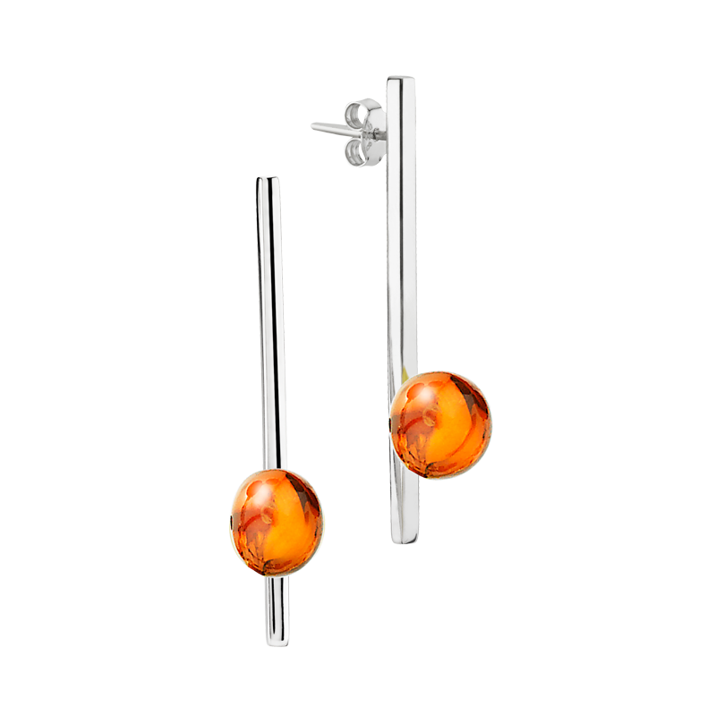 Balance earrings by Bukkehave in cognac amber