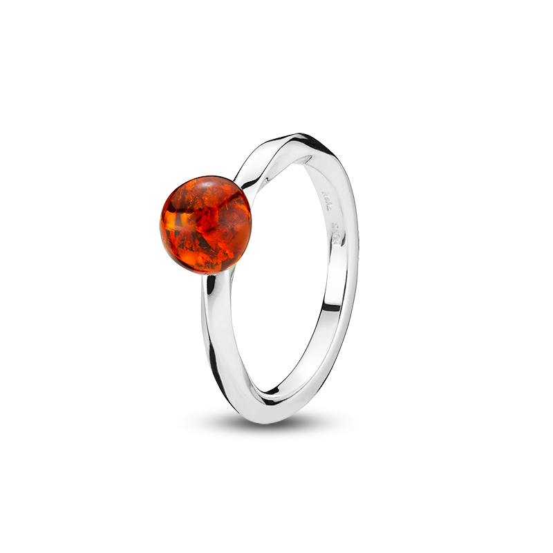 Balance Twist ring by Bukkehave in cognac amber