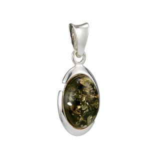 Classic Selection pendant in Baltic green amber