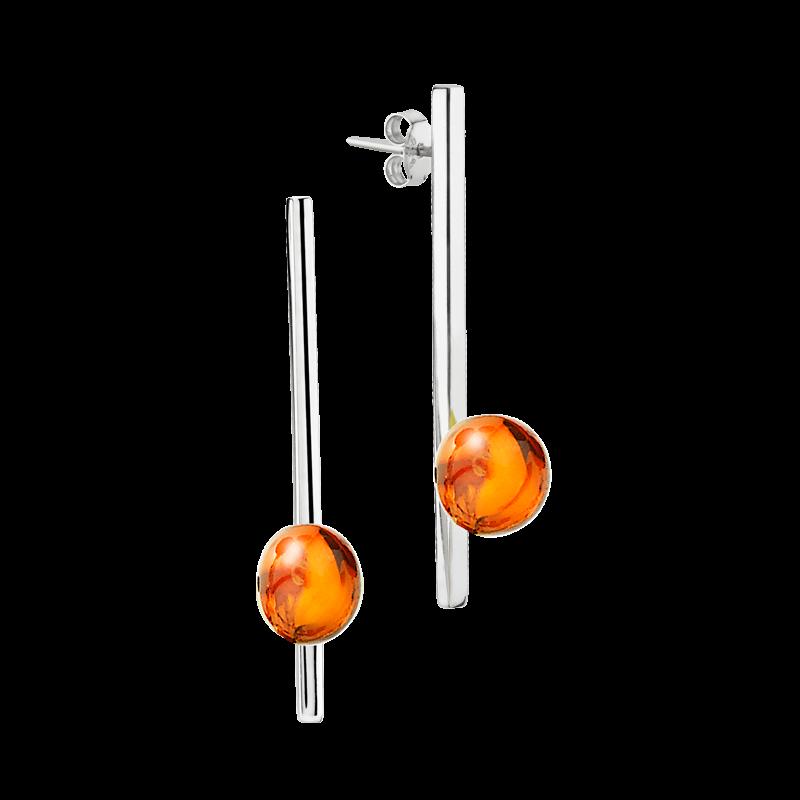 Balance earrings by Bukkehave in cognac amber
