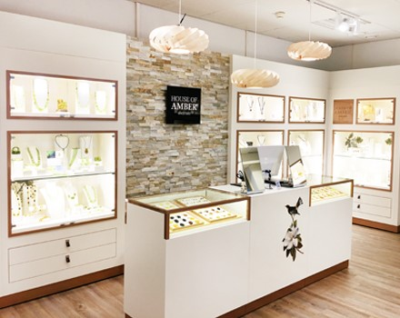 House_of_Amber_store_finland